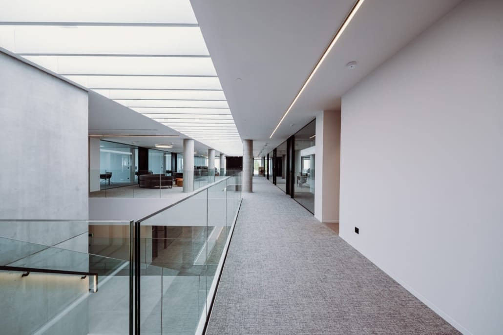 Overview of free-hanging acoustic PETAC® baffles in the hall of Stow
